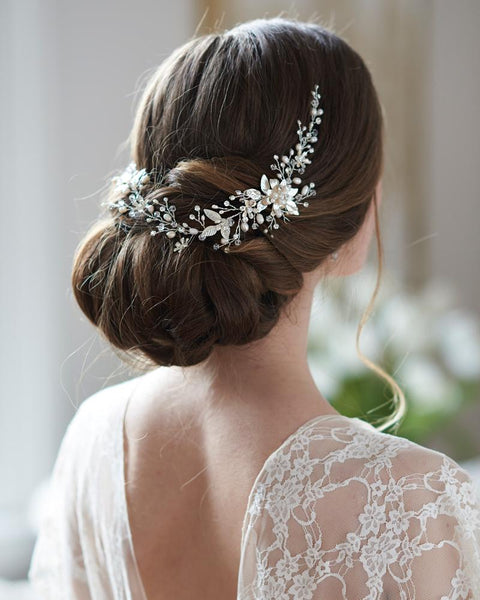 """The Felicity"" Floral Hair Vine - Sweet Heart Details"