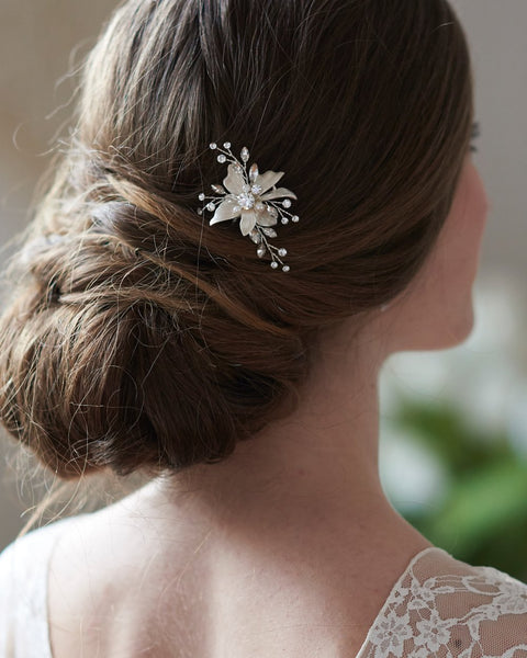 """The Cora"" Floral Hair Pin - Sweet Heart Details"