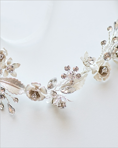 """The Vera"" Delicate Floral Hair Vine - Sweet Heart Details"