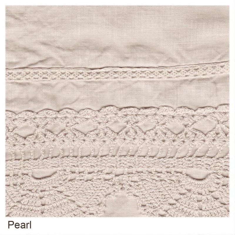 Bella Notte Linens Linen with Crochet Lace Guest Towel