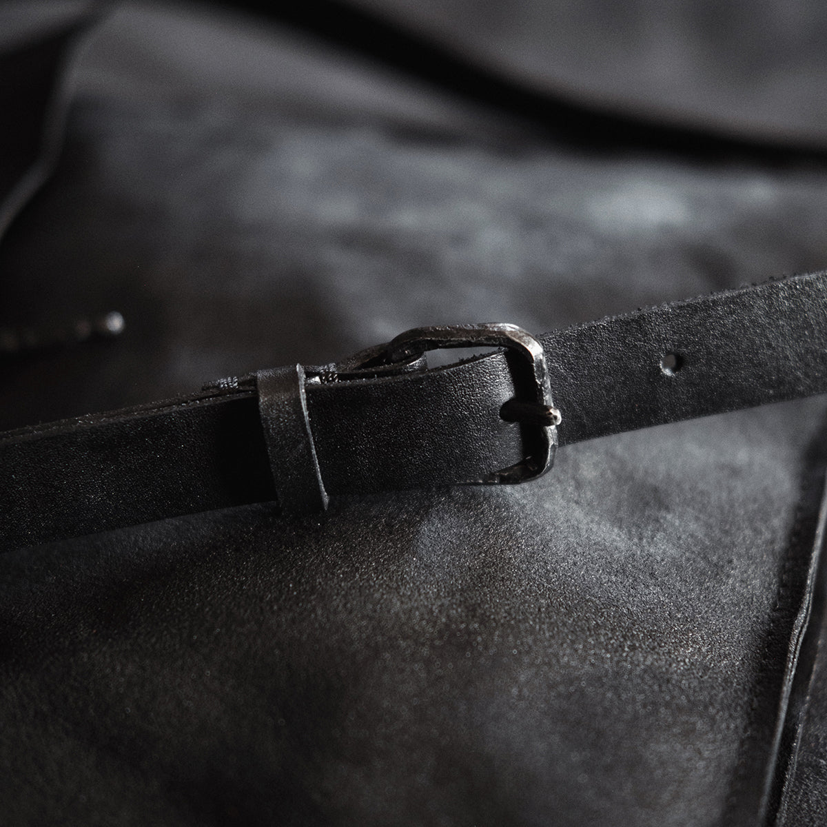 STEEL HORN SHOULDER BAG