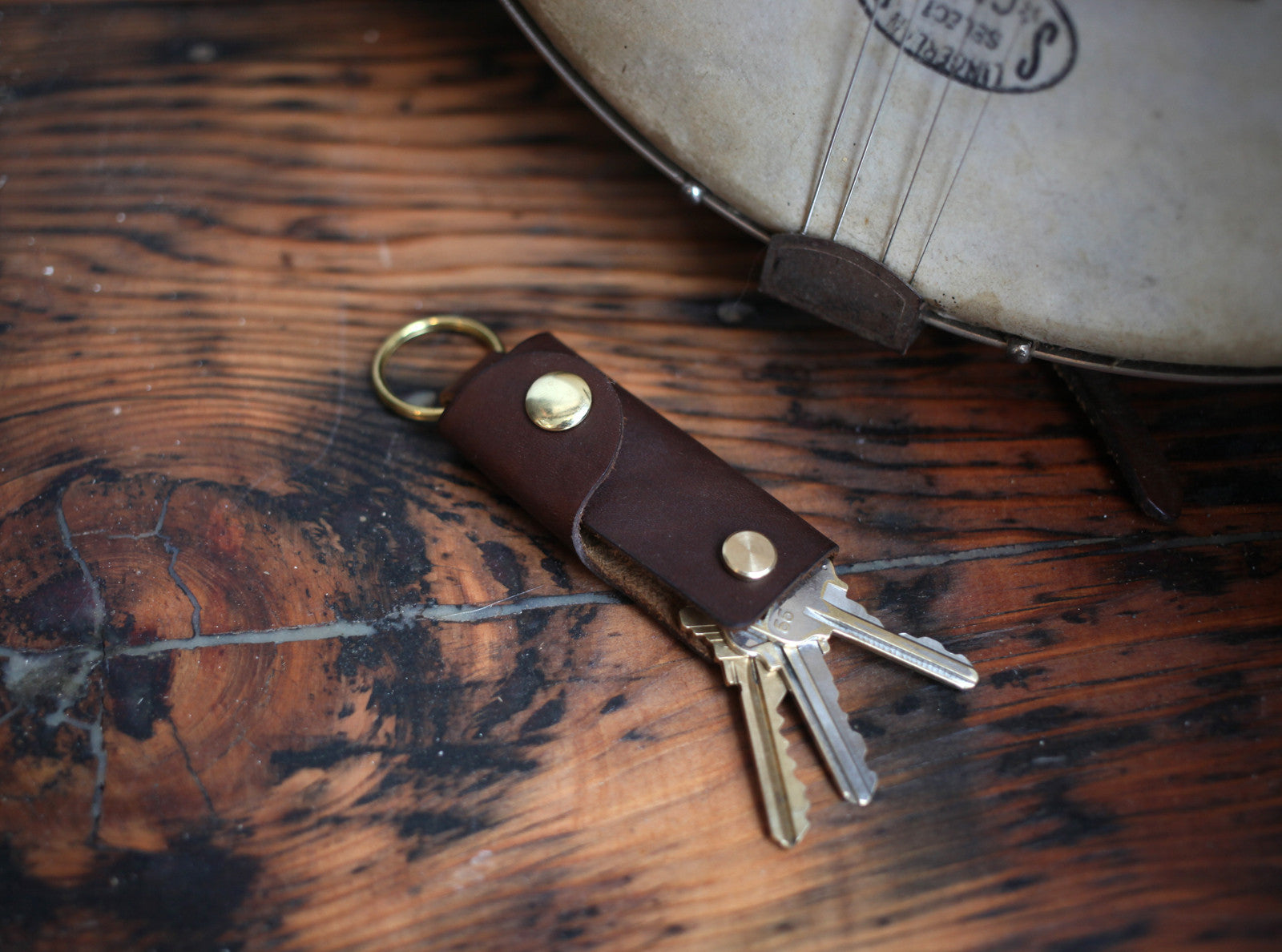 leather key case, key holder, key chain, keychain, leather keychain
