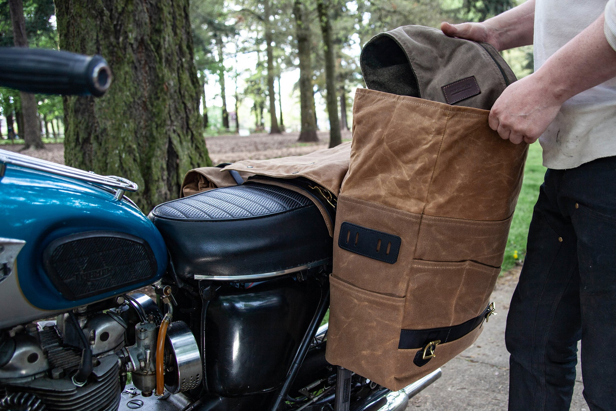 Long Hauler Saddle Bags - Brush Brown / Black (Set of 2)