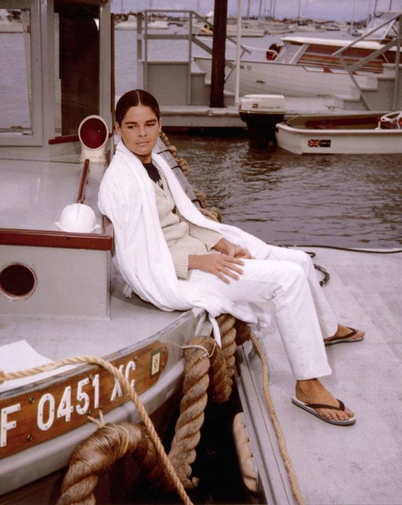 Ali Macgraw beauty