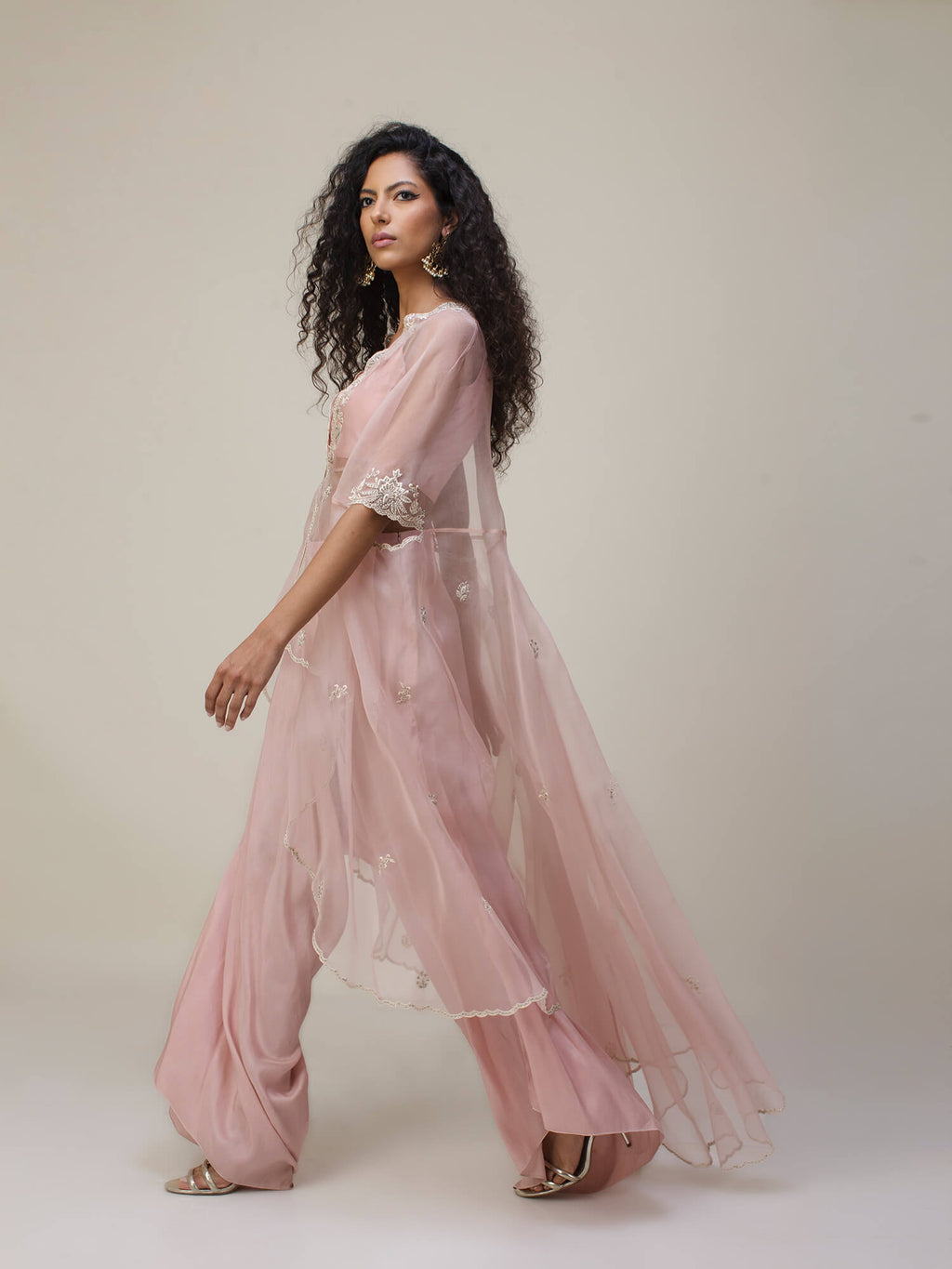 Anika Cape W/ Choli & Loose Pants - Misha Lakhani