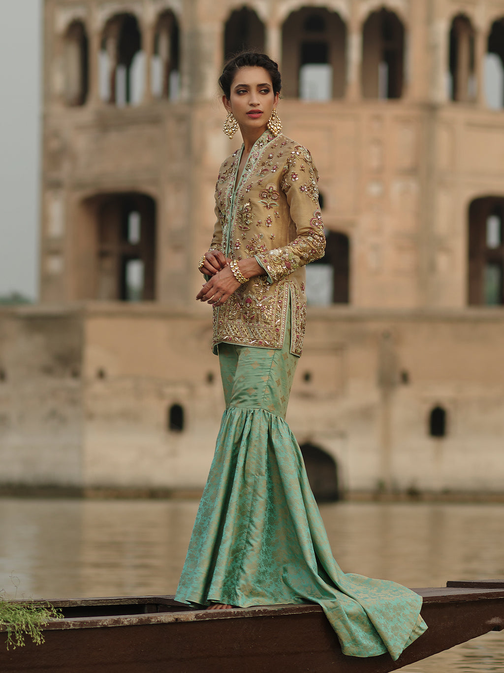 RANI JACKET & TAPERED GHARARA