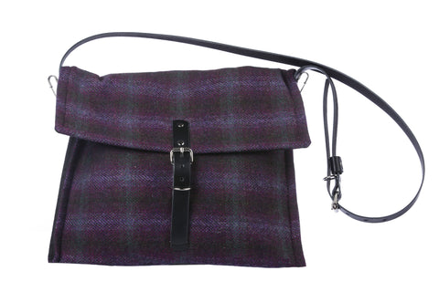 Munro Messenger Bag