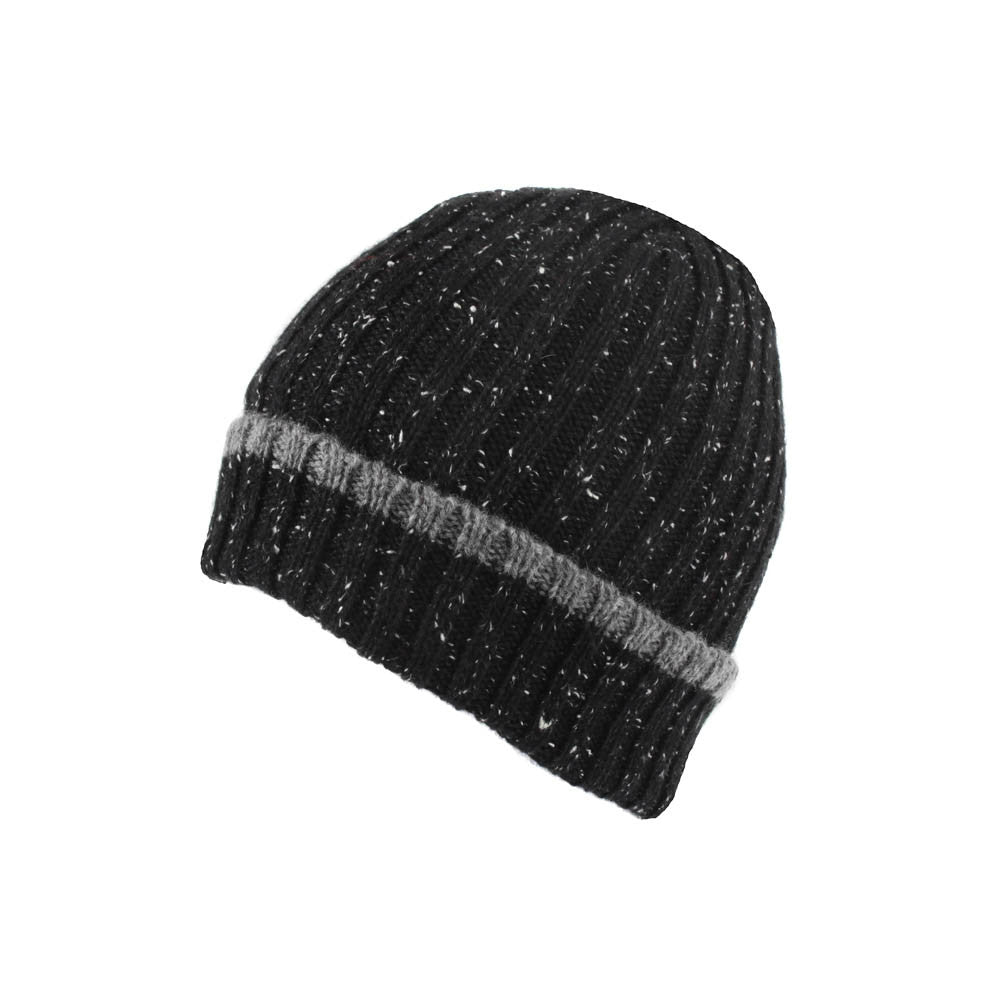 black lambswool beanie hat | buy now at The Cashmere Choice London
