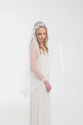 Blue Meadow Bridal, Kate french chantilly lace, mantilla veil