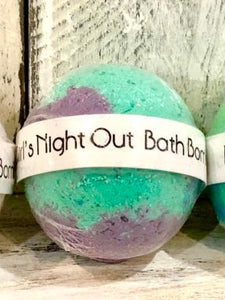 MadeNatural bath bombs