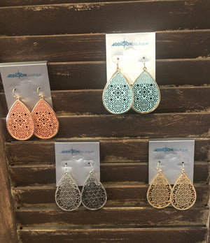 Teardrop earring with cutout pattern