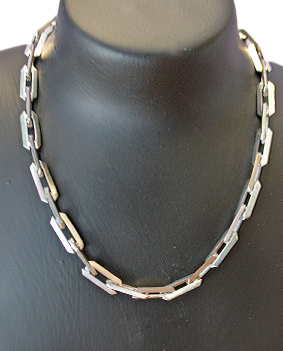 Large Pyramid Chain- SILV