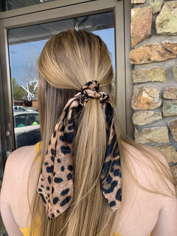 Brown Leopard Hair Scrunchie Ponytail Scar