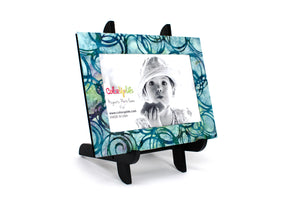 magnetic photo frame displayed in a decorative easel - circling turquoise - ColorUpLife