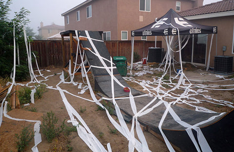 awesome-funny-prank-toilet-paper-house-mess