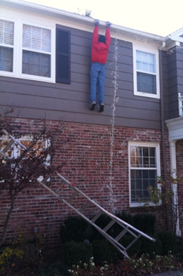 christmas-lights-prank-hoax-funny-ladder-man