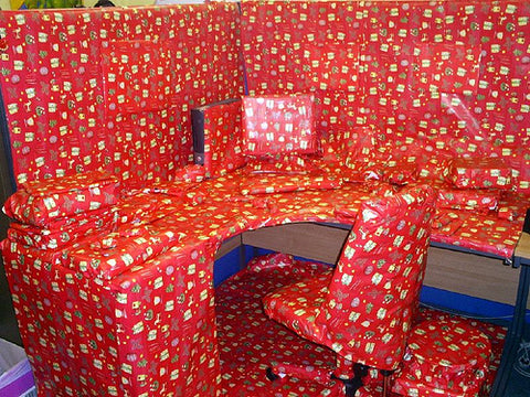 christmas-office-cubicle-prank-xmas-wrapping-paper-lol-funny
