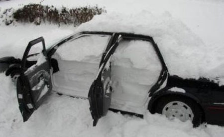 funny-car-filled-with-snow-prank