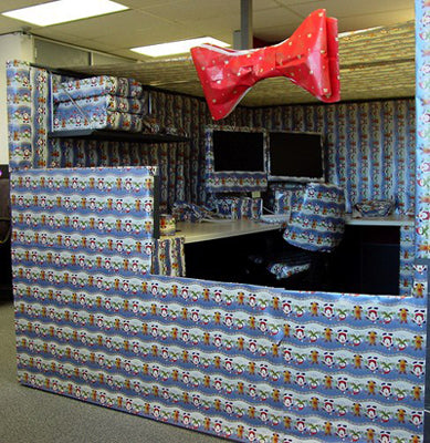 funny-office-cubicle-prank-christmas-wrapping-paper-photo