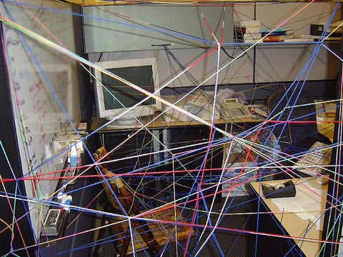 office-cubicle-funny-prank-string-everywhere-lol-real-pic-at-work
