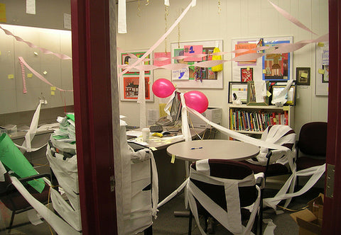 principal_head_teacher_office_prank_toilet_paper_lol_students_practical_joke