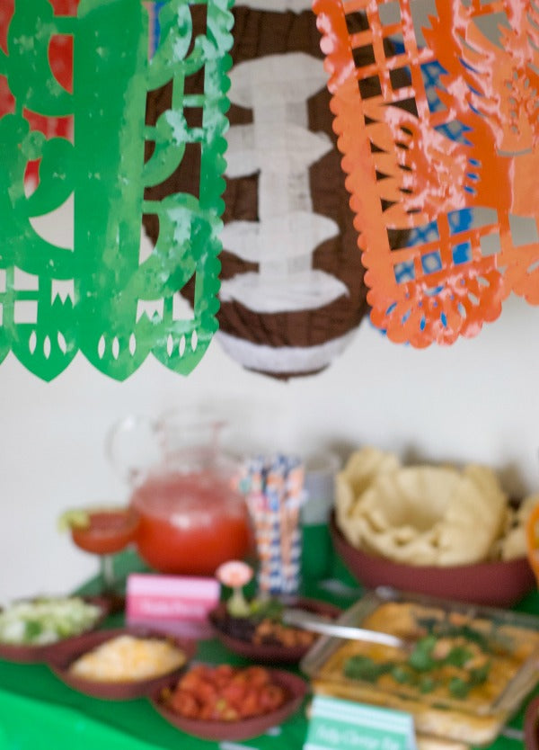 Bowl game fiesta party plan | How to host a Mexican fiesta | Host a taco bar | How to host a tostada bar | SatsumaDesignscom #college #football #fiesta