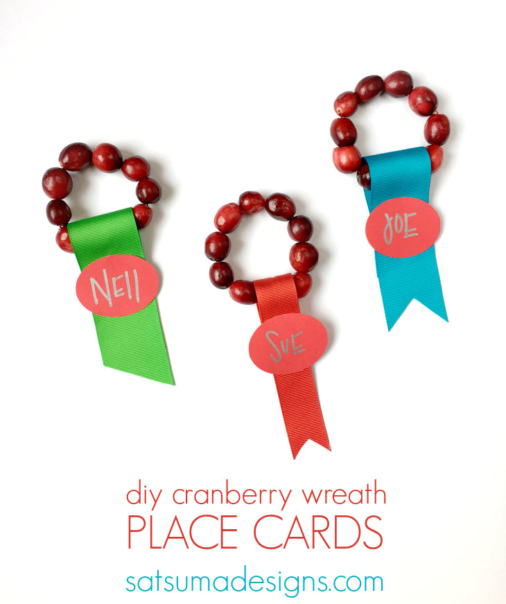 diy cranberry wreath place cards