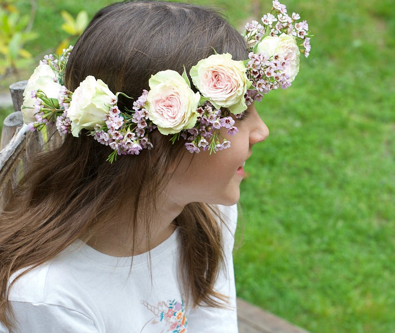 Click through to learn how to make a DIY flower crown for weddings, parties, festivals and any time you want to celebrate! | flower crown tutorial | SatsumaDesigns.com #flowers #flowercrown