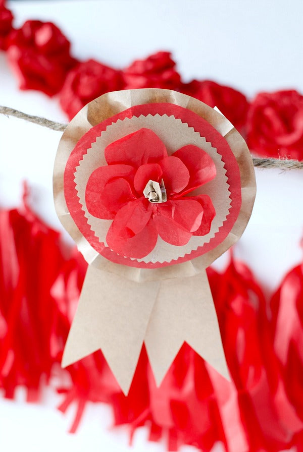 DIY Kentucky Derby Ribbons | Kentucky Derby Decor | Kentucky Derby Party ideas | Run for the Roses party ideas | SatsumaDesigns.com #party #KentuckyDerby