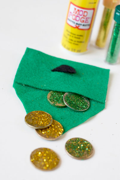 DIY leprechaun gold pouch