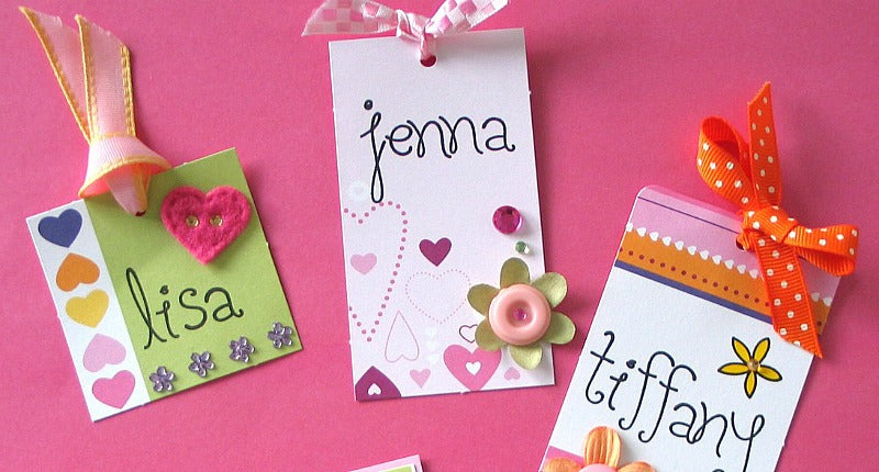 Click through to discover 7 diy cute and easy party name tags ideas | party planning | birthday party ideas | SatsumaDesigns.com #babyshower #placecards #holidays #hostess
