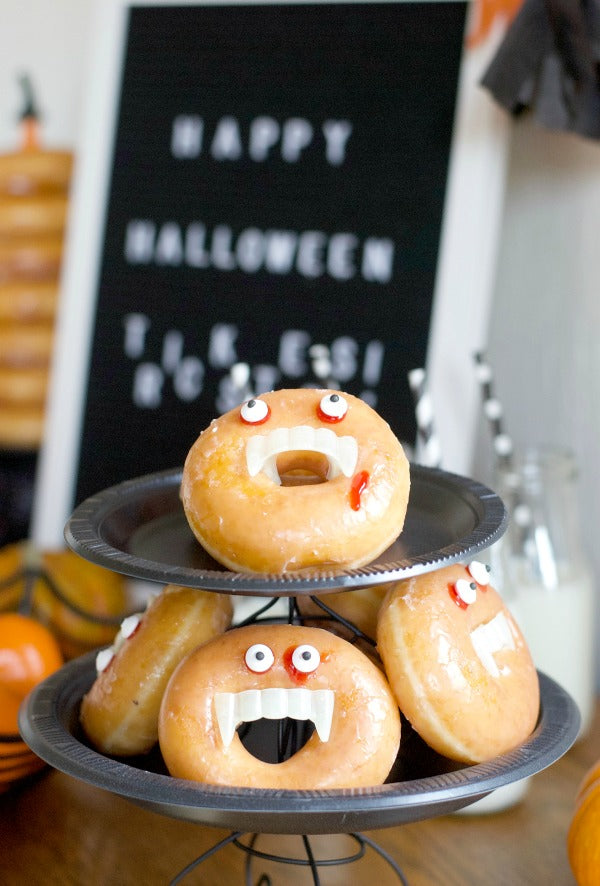 Click through to see how I made my Donut Be Tricked Halloween Party for Halloween Morning | Halloween Party | Party ideas | SatsumaDesigns.com #Halloween #donuts