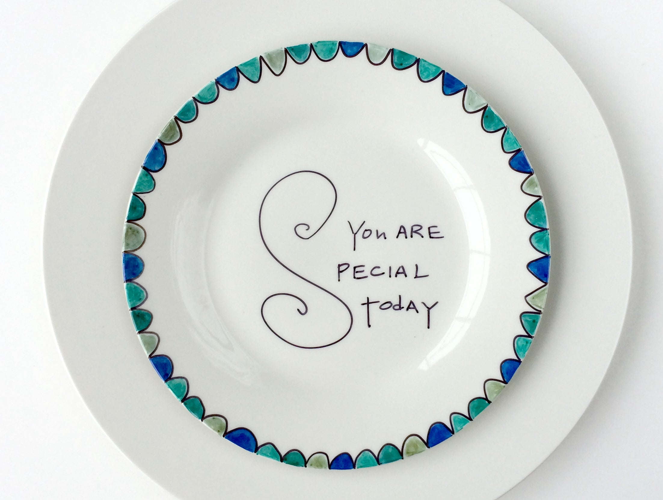Click through to try my easy You Are Special Today plate for Father's Day gift giving | Father's Day | SatsumaDesigns.com #fathersday #giftsforhim