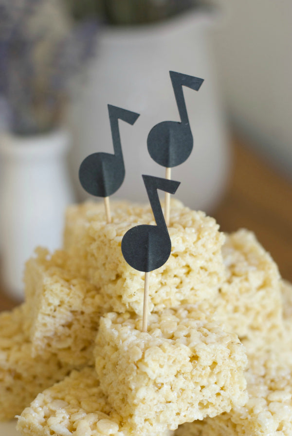 Click through to print and cut my Musical Note Cake Topper to celebrate musicians and music lovers of all ages! | Musical Note template | Free SVG files | free .svg files | SatsumaDeigns.com #cuttingfiles #svgfiles