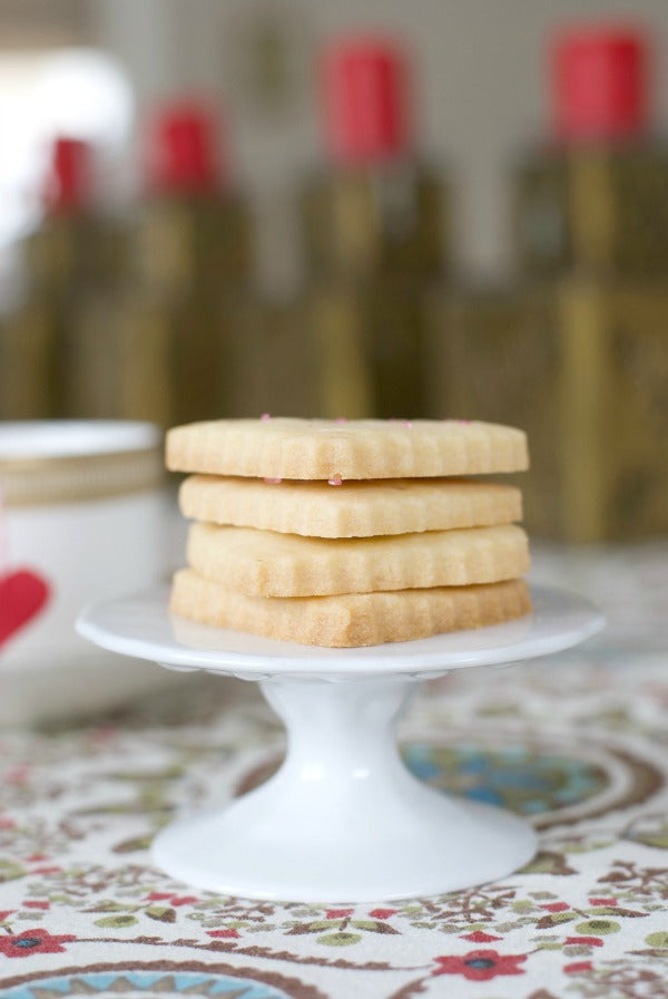 Click through to try my shortbread cookie hearts recipe to celebrate with your Valentine | SatsumaDesigns.com #valentine #valentinesday #dessert #cookies #recipes