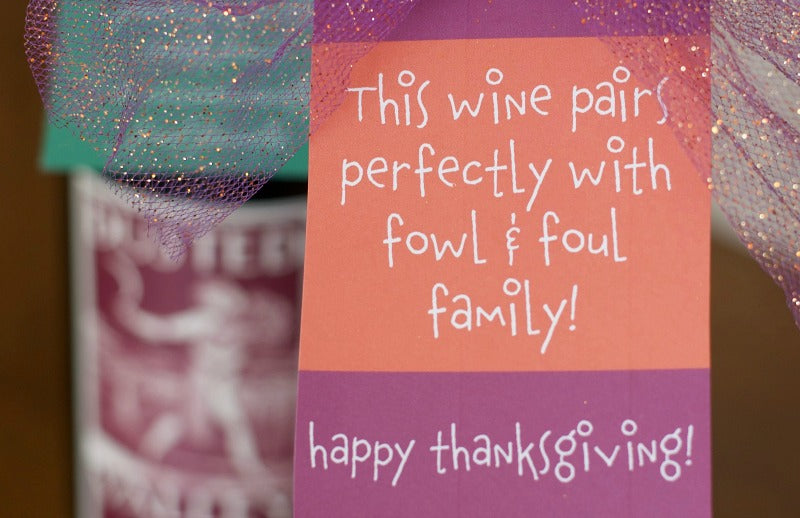 Canadian Thanksgiving and US Thanksgiving wine bottle gift tags | Free Printable | Funny gift tags | SatsumaDesigns.com #printables