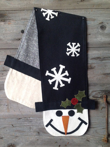 Frosty's Top Hat Table Runner