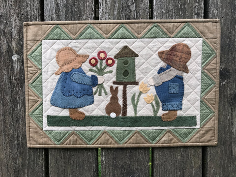 Spring Sunbonnet Siblings
