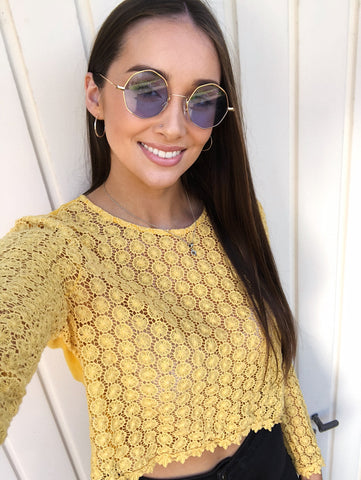 Sienna Inkspo Sunglasses on Model in Yellow Top