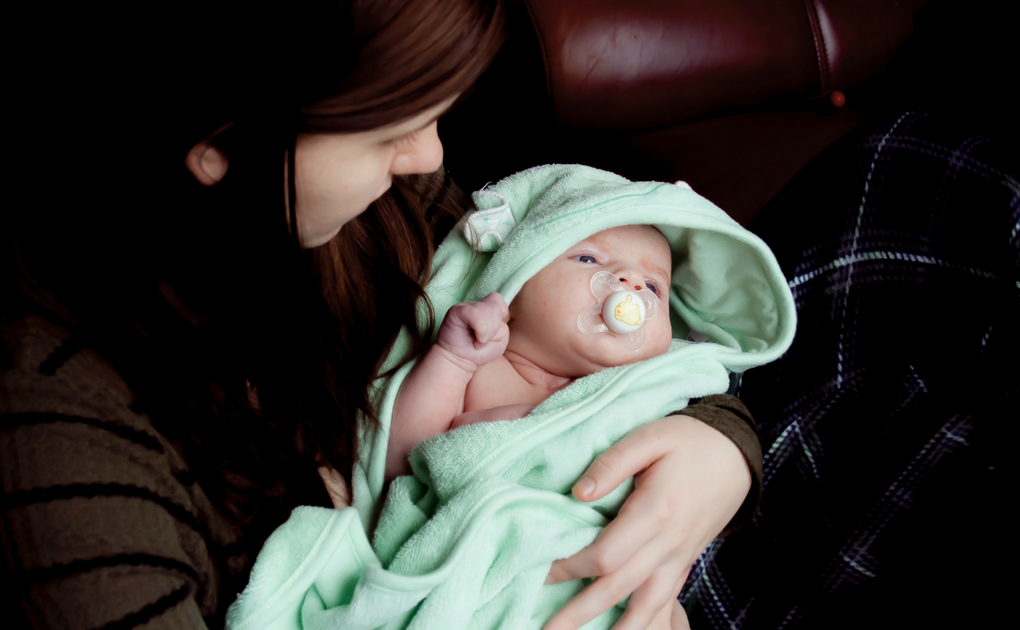 """How to """"Fix"""" Your Baby's Day/Night Confusion"""