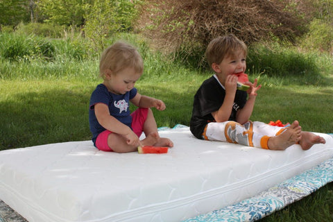 parents have siblings outside to prevent baby cry