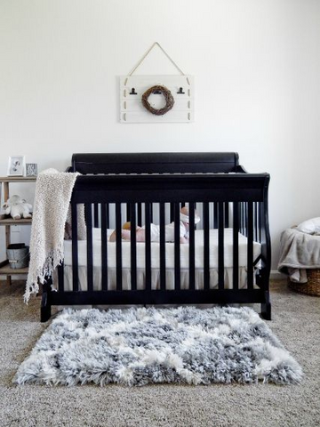 black and white nursery themes
