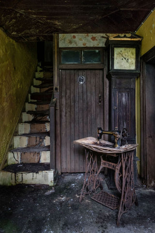 Haunting Images Of Abandoned Homes Across Northern Ireland