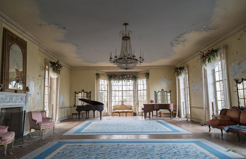 Take A Trip Through An Abandoned Mansion In New York City