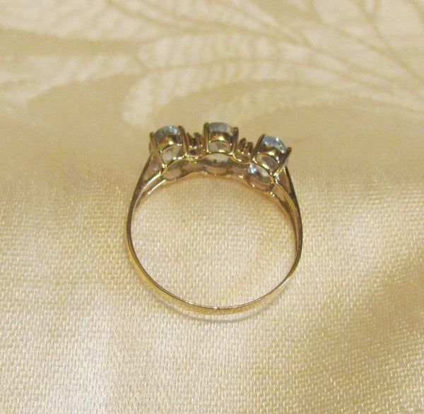 10Kt Gold Aquamarine Ring 3 6x4mm Oval 4 Diamonds Ladder Ring Size 8 1/4