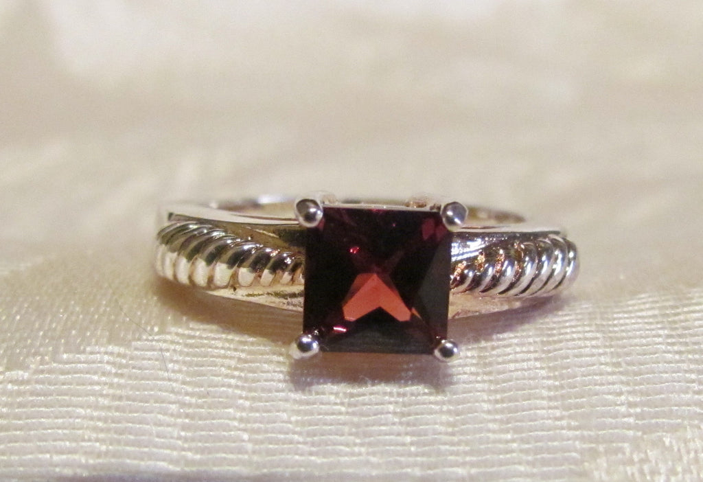 1.25 Carat Garnet Princess Cut Sterling Silver Ring Size 6 1/4