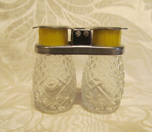 Depression Glass Salt & Pepper Shaker Set 1940s Diner Style Pair Of Shakers