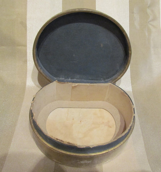 1920s Karess Woodworth Gift Set Powder Box & Silver Guilloche Compact Complete With 2 Glossy Advertisement Photos