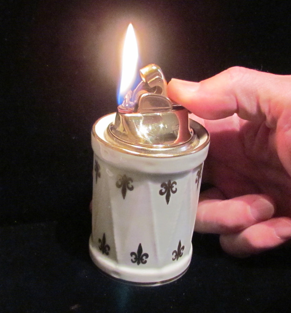 Limoges Evans Table Lighter 1956 Fleur De Lis Mid Century Working Lighter