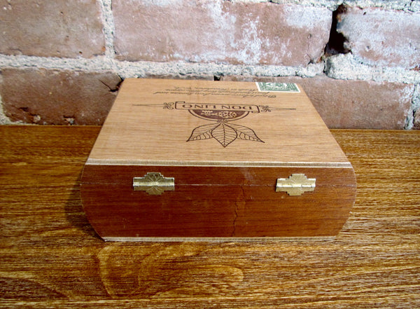 Don Lino Wood Cigar Box No. 4 Advertising
